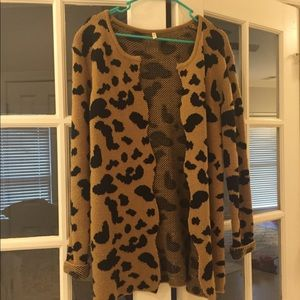 Sweaters - Leopard cardigan with scalloped edge